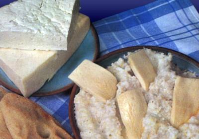 Кукурузные лепешки гоми. Грузины используют их в качестве хлеба.