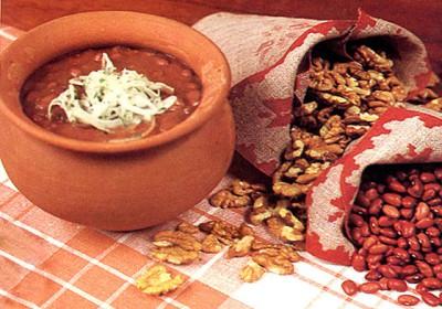 Лобио — традиционное блюдо грузинской кухни.