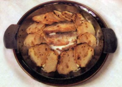 Мойва запеченная с картофелем.