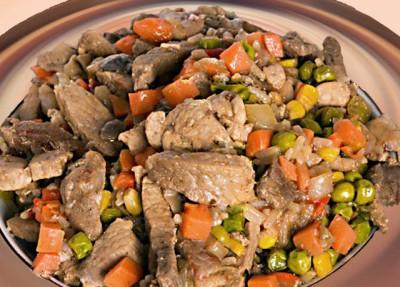 Вареное мясо с морковью
